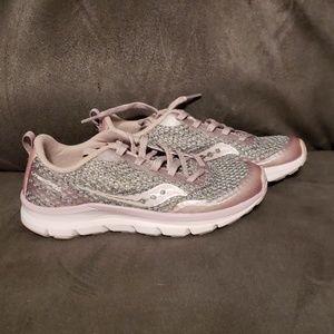 Saucony girl's liteform feel sneaker. Sz 1.5